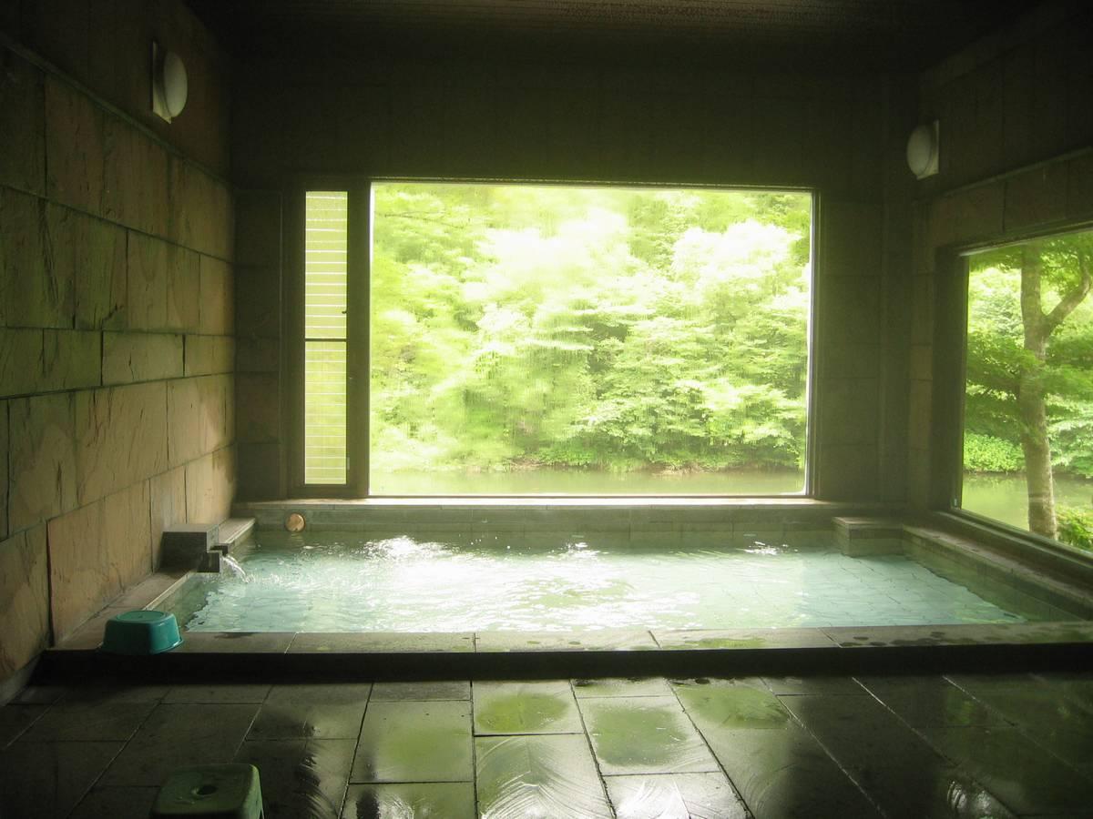 ソフトフォーカスの写真を見ているかのような浴室!岩瀬湯本温泉 御宿 星野屋別館【福島県の温泉】