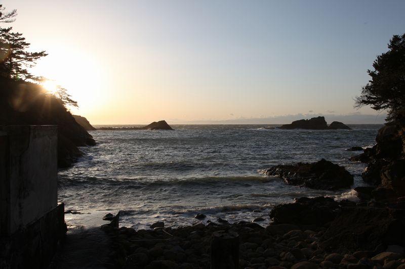 温泉ファンなら入るべき!入江にある絶景露天風呂 雲見温泉 赤井浜露天風呂