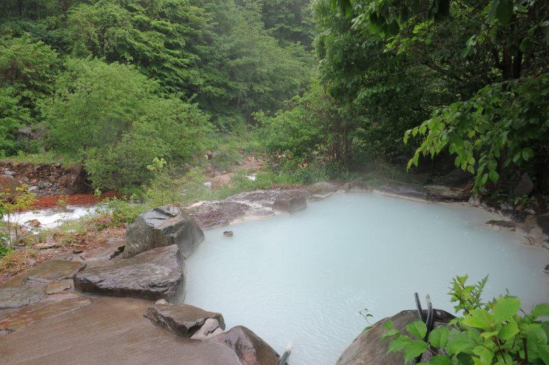 お湯の色が変化する温泉 五色温泉 五色の湯旅館【長野県の温泉】