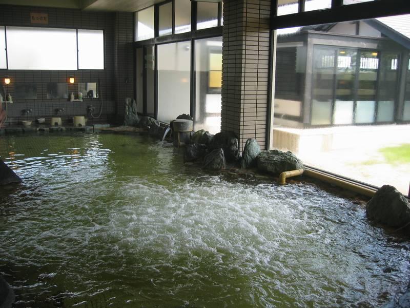 この地域では少し珍しい油臭のする温泉 なの花温泉 田田【山形県の温泉】