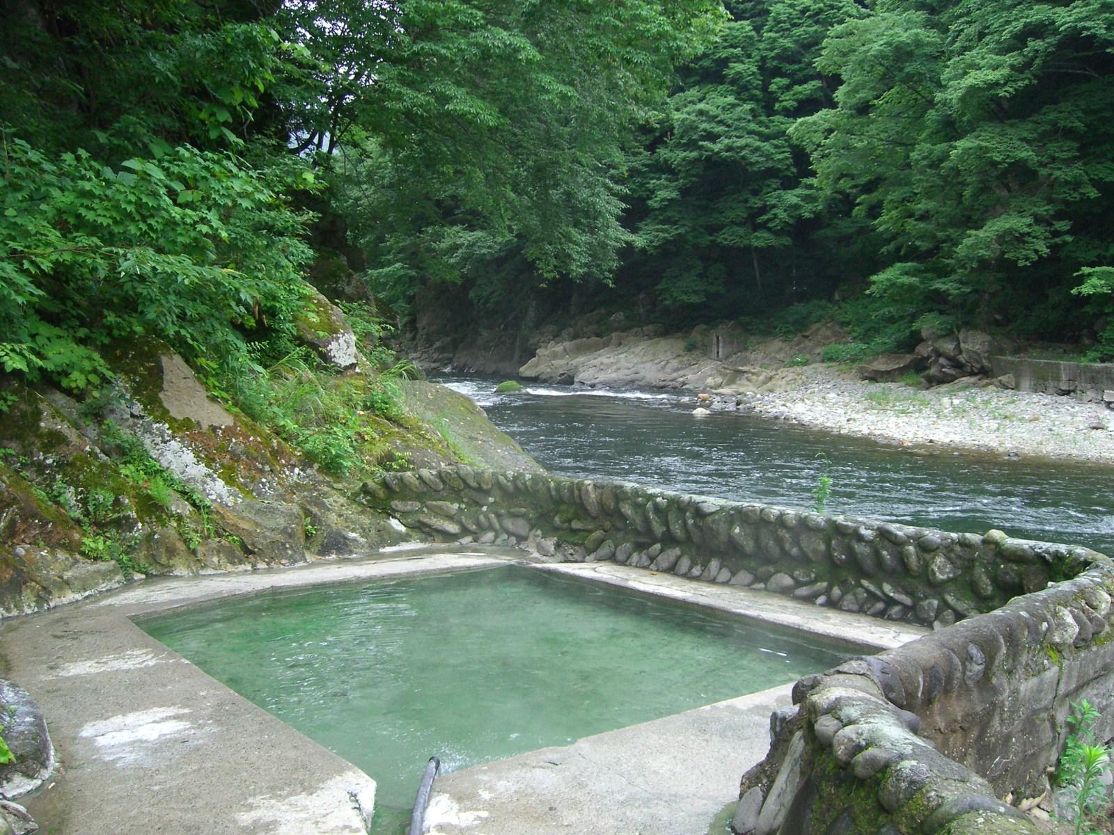 今は無くなってしまった温泉 湯野上温泉 河原の露天風呂【福島県の温泉】
