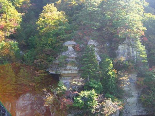 塔のへつり 怪奇岩