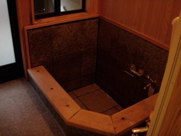 二岐温泉 大丸あすなろ荘 宿泊時の部屋の内湯