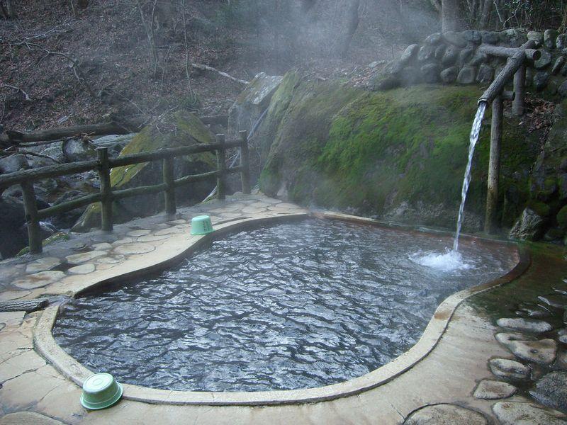 塩原温泉郷に行ったらぜひ立ち寄りたい!200円で入れる混浴露天風呂!福渡温泉 不動の湯【栃木県の温泉】