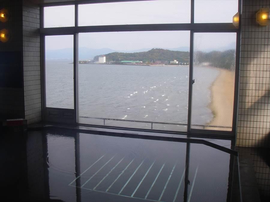 琵琶湖を見ながらのんびりと!彦根千乃松原温泉 かんぽの宿 彦根【滋賀県の温泉】
