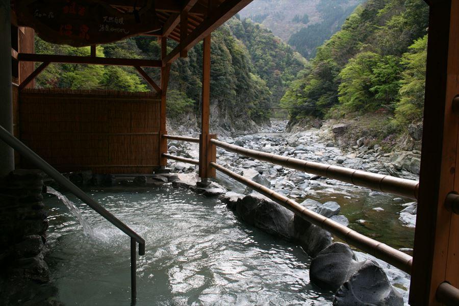 ケーブルカーで行く最高の露天風呂!祖谷温泉 ホテル祖谷温泉【徳島県の温泉】