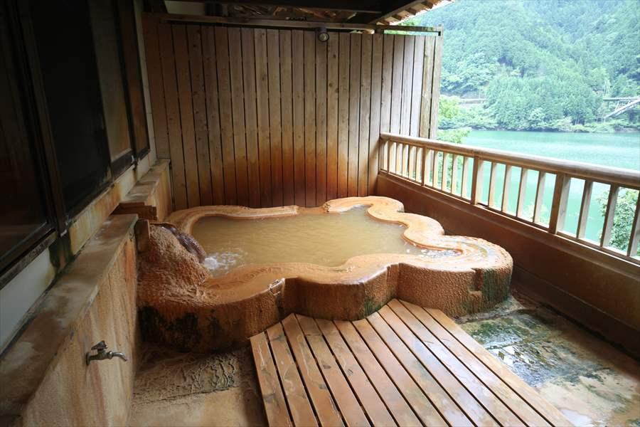 山間の隠れた名湯!濃すぎる温泉!入之波温泉 山鳩湯【奈良県の温泉】