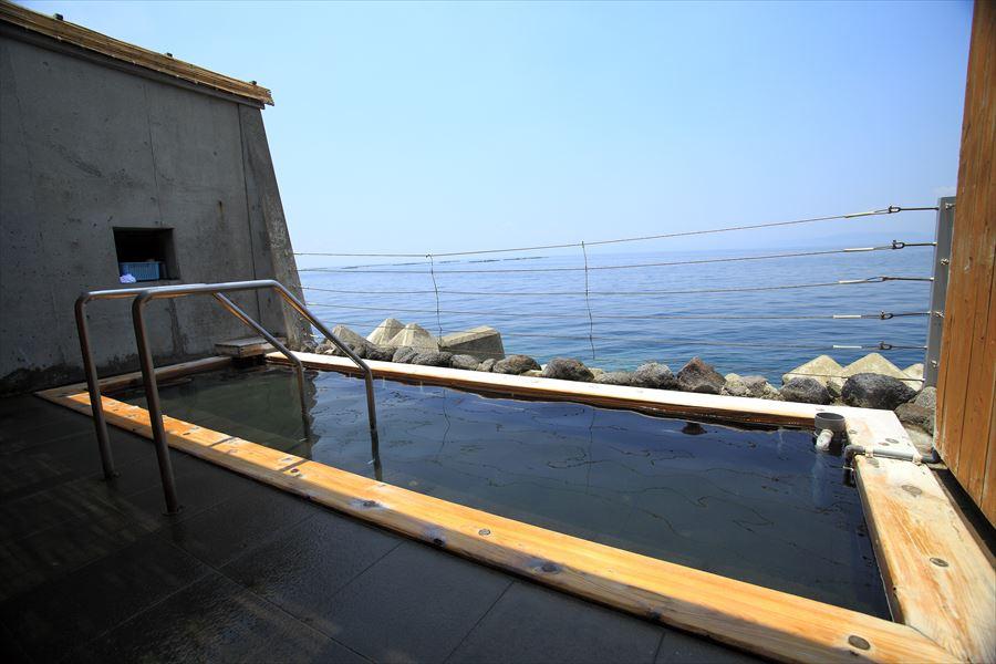 絶景の海の露天風呂温泉で癒される!小浜温泉 波の湯 茜【長崎県の温泉】