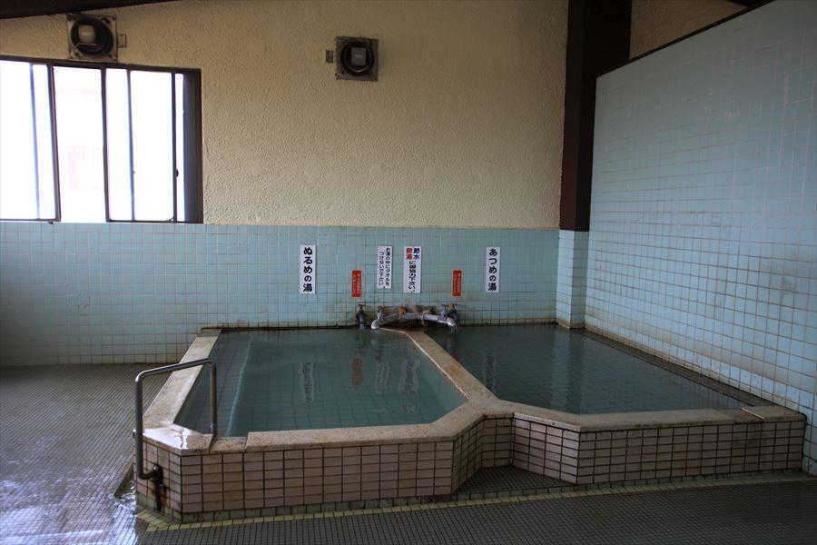 人情味あふれる市営温泉の内湯に入る!小浜温泉 浜の湯【長崎県の温泉】