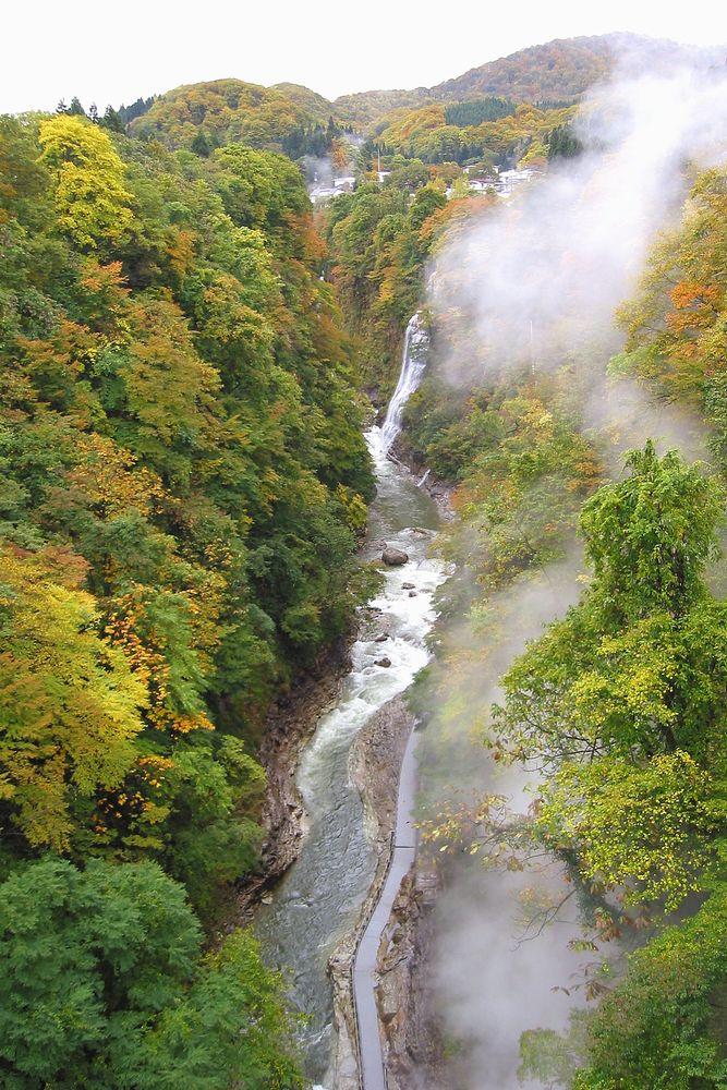 小安峡 紅葉の絶景