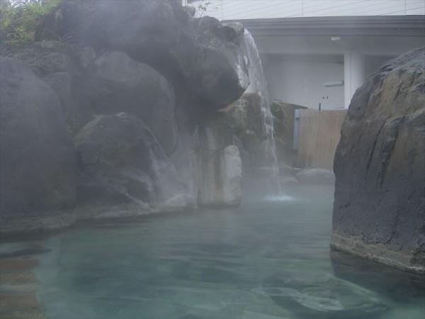 赤倉温泉 野天風呂「滝の湯」