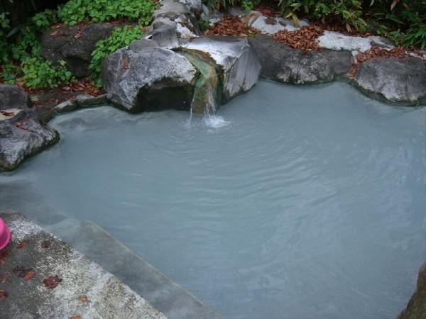 燕温泉 黄金の湯