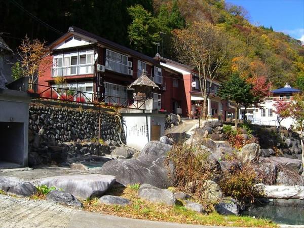 屋敷温泉 秀清館