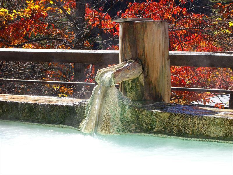 名湯を日帰り入浴で味わえる!白骨温泉 煤香庵【長野県の温泉】