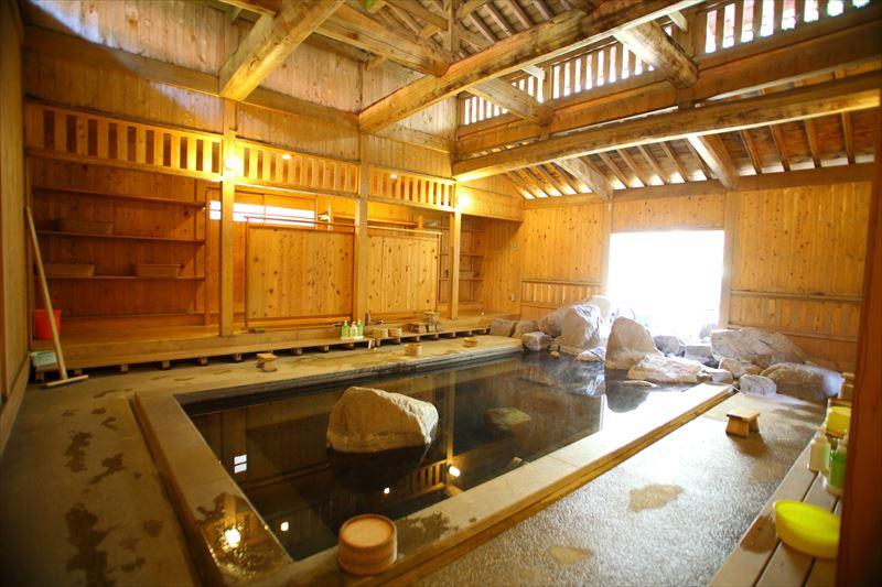 秘湯だけど、まさに温泉のデパート!中房温泉【長野県の温泉】