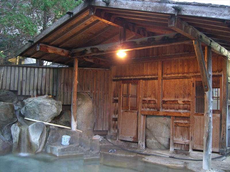 落ち着いて一緒に入れる露天風呂が最高!中尾温泉 山荘 錫杖【岐阜県の温泉】